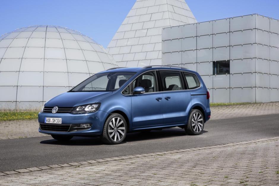 Volkswagen Sharan Mpv Review Changing Lanes